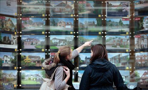 Homeowners Who Would Be Moguls Make Comeback in U.K.