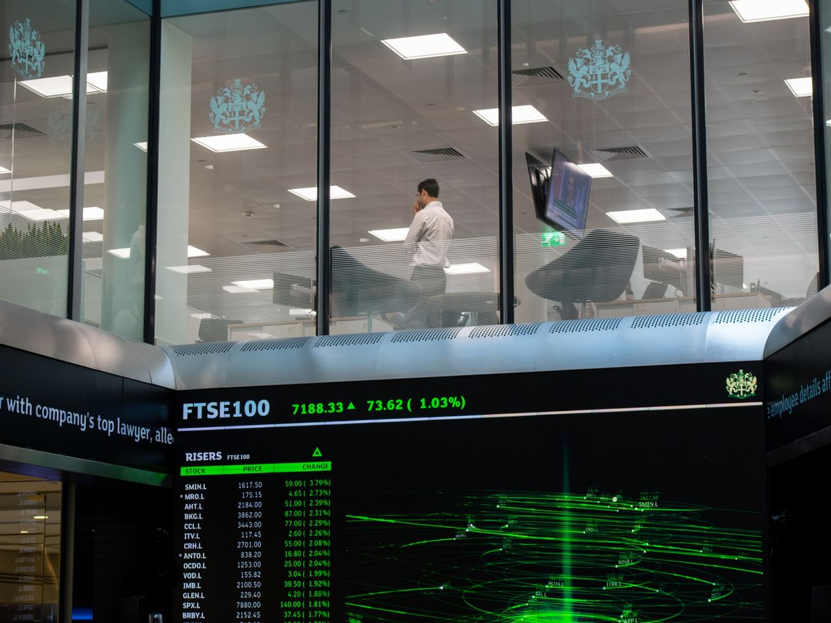 FTSE 250 Posts Best Day Since May 2010 on Brexit Deal Hopes