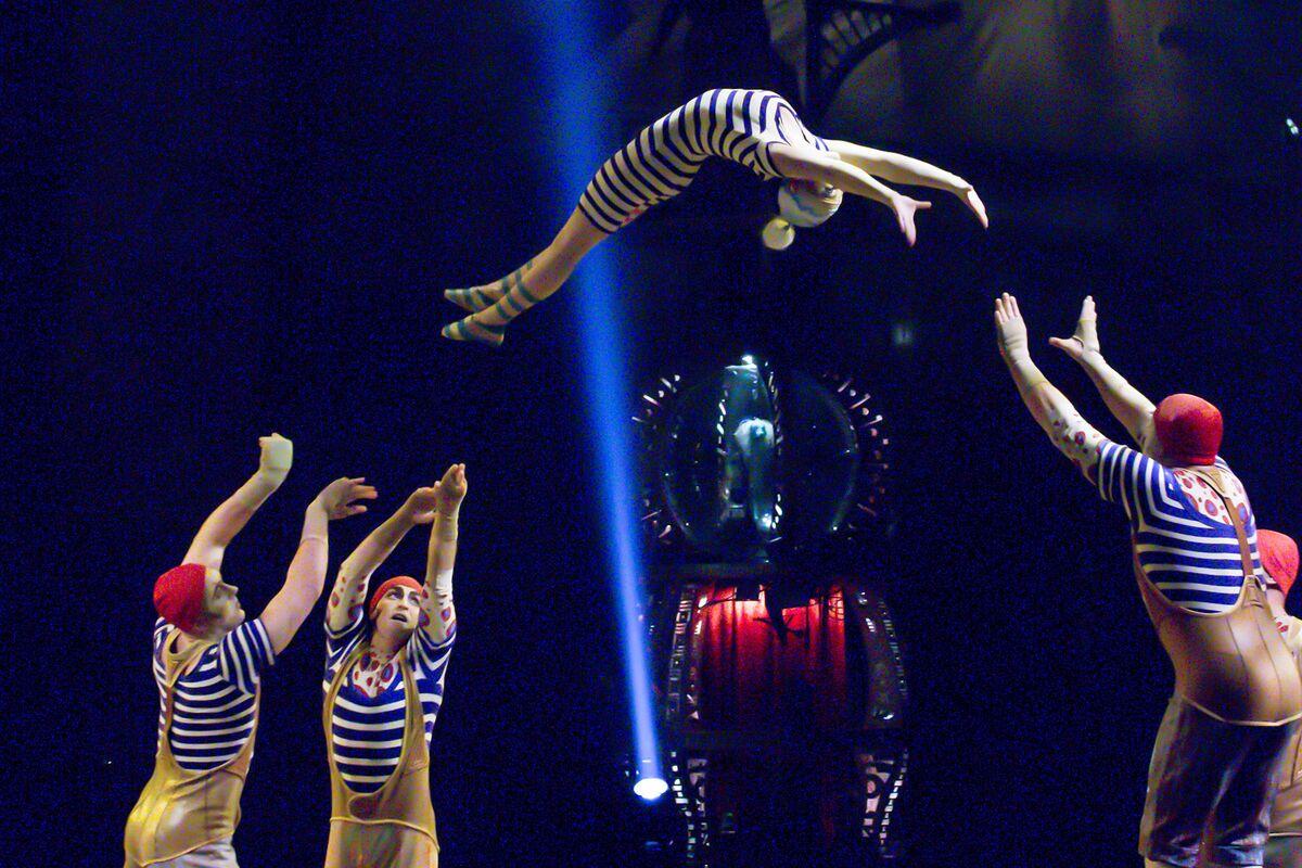 Cirque du Soleil Founder Prepares Offer to Buy Back In