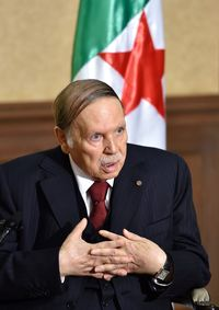 阿尔及利亚,法国外交-VALLS,布特弗利卡