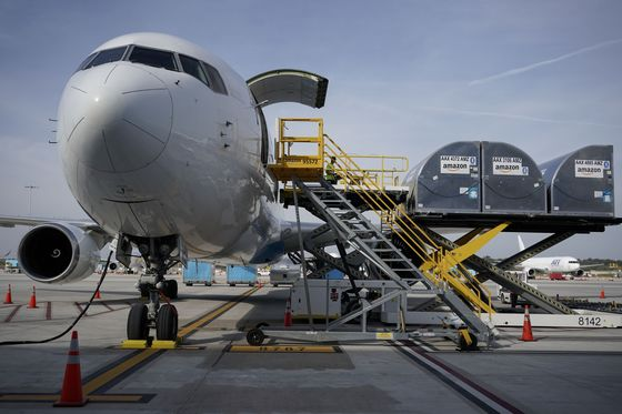 Amazon Seeks Used Long-Range Cargo Jets Able to Fly From China