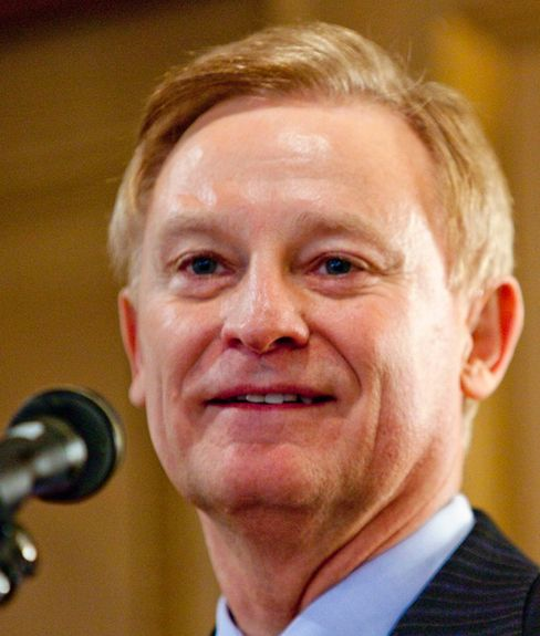 House Finance Panel Republicans Said to Back Bachus