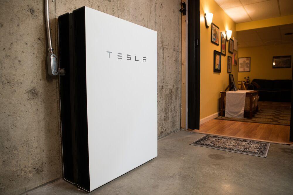 Tesla Wall Battery >> Tesla Tsla Partners With Vermont Utility On Batteries Bloomberg
