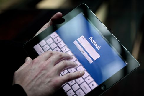 Facebook Unveils Mobile-Ad Service Aimed at Increasing Sales