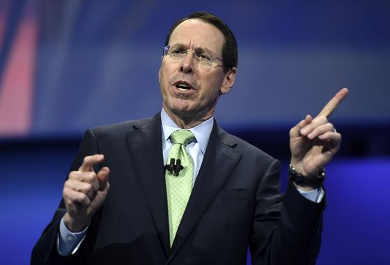 AT&T Considers SellingRegional Sports Networks to Slash Debt