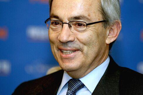 A Nobel Economist Fears for the Poorest Greeks