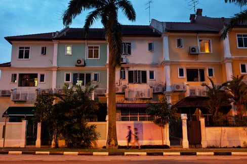 Singapore Private Home Prices Rebound to Record