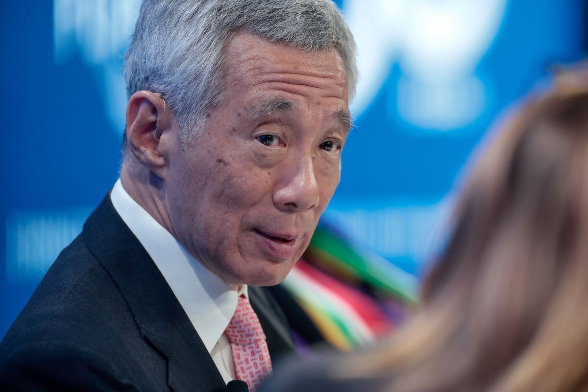Singapore's Lee Urges China, U.S. to Stem Deterioration in Ties