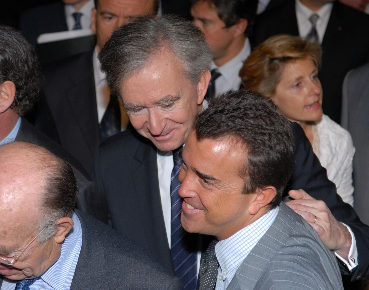 French Tycoons Like to Scratch Each Others' Backs