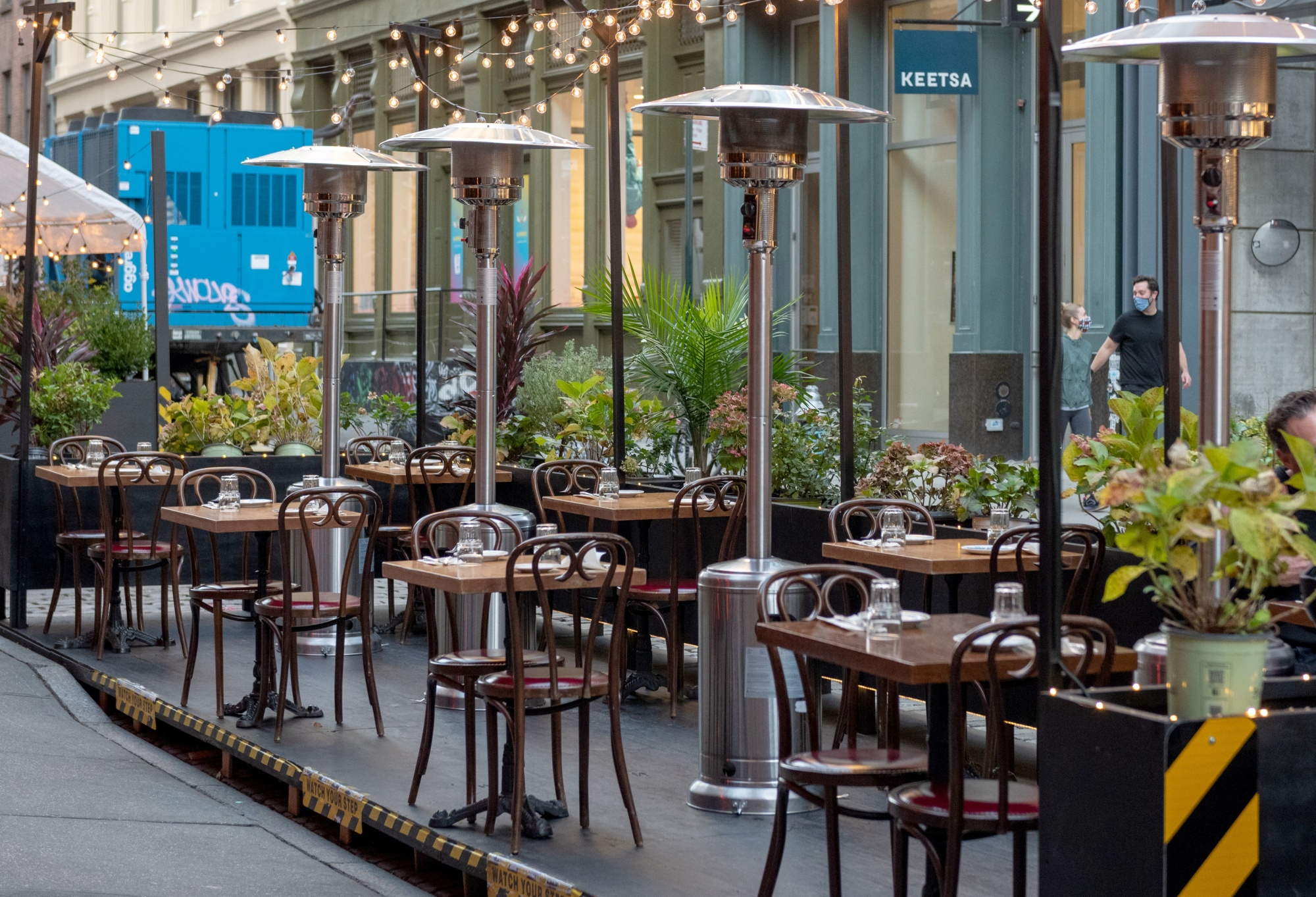 What Outdoor Dining May Look Like In Winter Bloomberg
