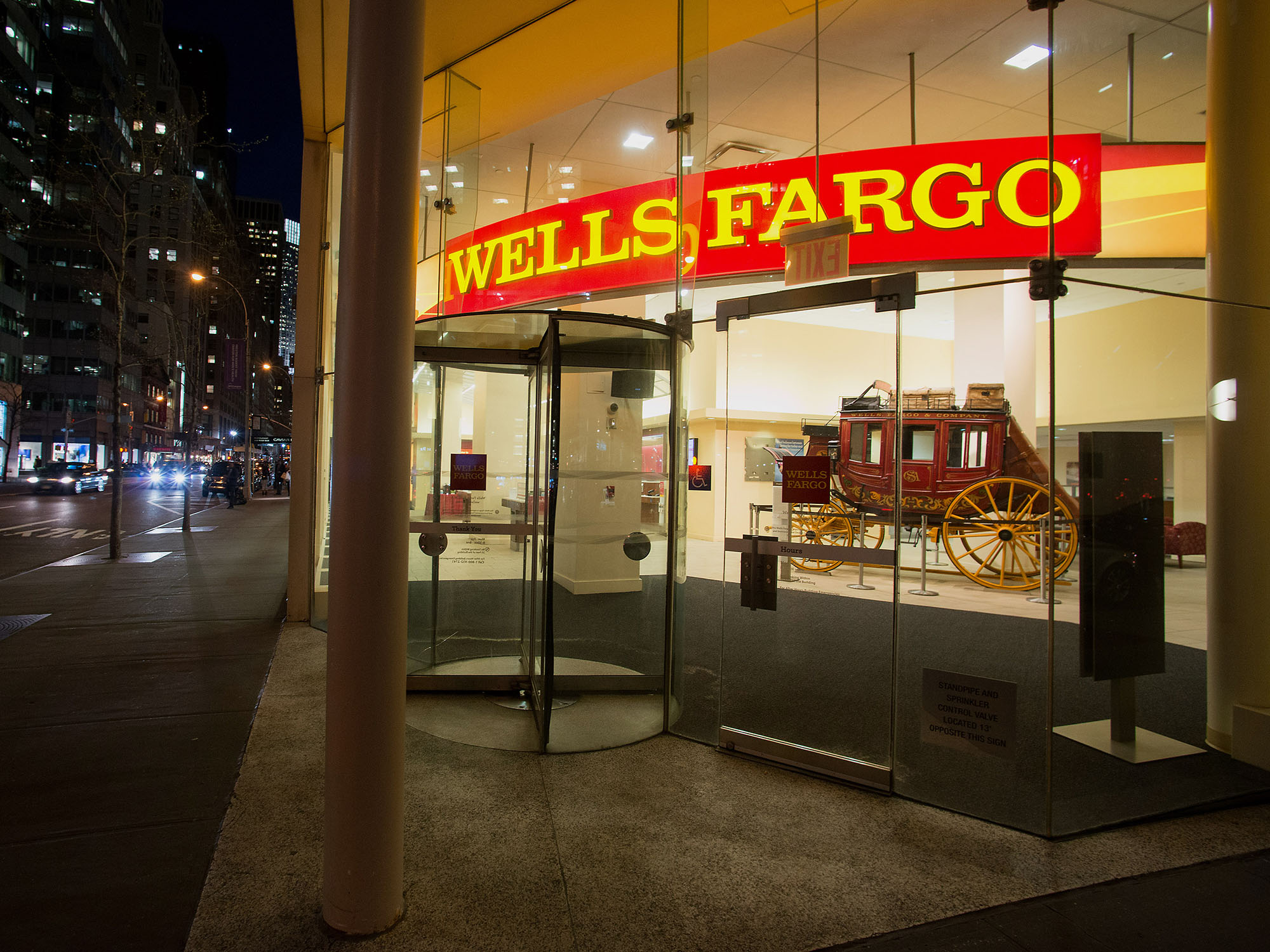 Wells Fargo Wfc Eliminates More Than 700 Jobs In Commercial Banking Bloomberg