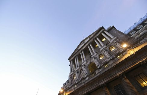 Carney Awaited as BOE Inertia Danger Looms in Recession Battle