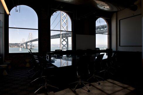 B-School News Roundup: MBA Programs Gravitate Toward Bay Area