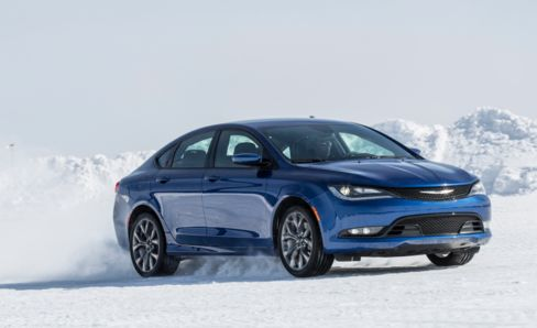 The Chrysler 200 makes its way in one of the industry's most competitive lanes.