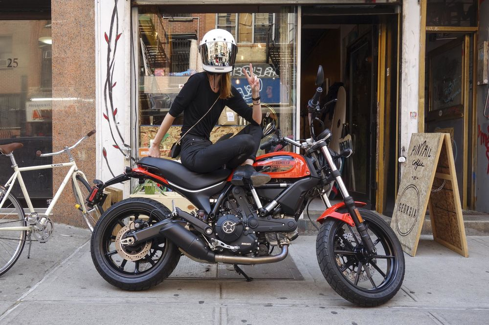 2016 Ducati Scrambler Sixty2 Review A Perfect Smooth Ride Bloomberg