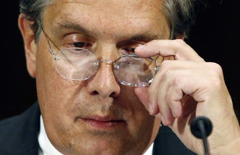U.S. Bank Regulator Curry Distances OCC from Bank-Friendly Past