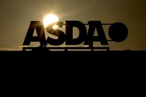 Black Friday Arrives in U.K. as Crowds Descend on Asda Stores