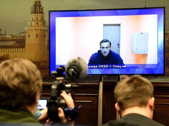 Putin's Popularity Slumps As Navalny Calls Fresh Protests