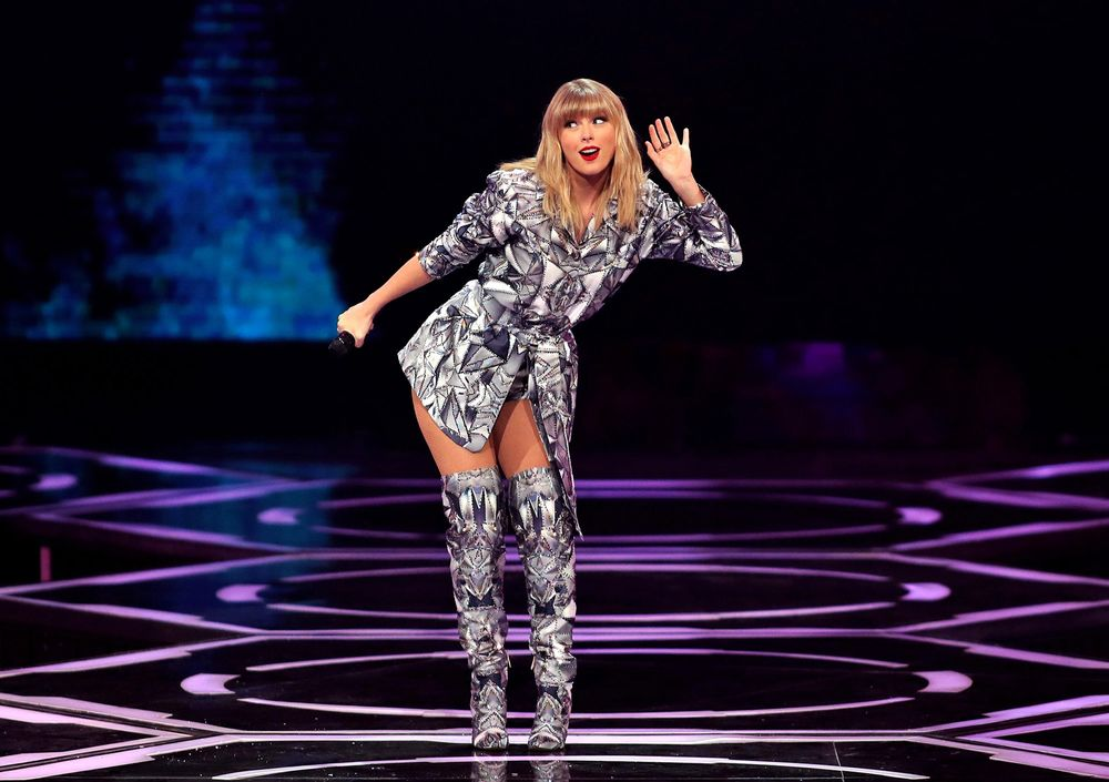 Taylor Swift S Carlyle Plea Showcases Private Equity S Reach Bloomberg