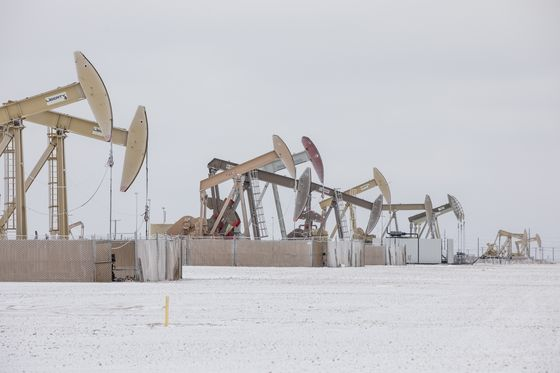 U.S. Oil Production Slumps by Record 40% as Permian Freezes