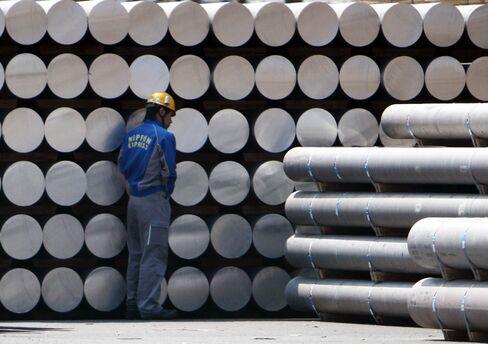 Aluminum Demand in Japan May Miss Target as Car Sales Lose Steam