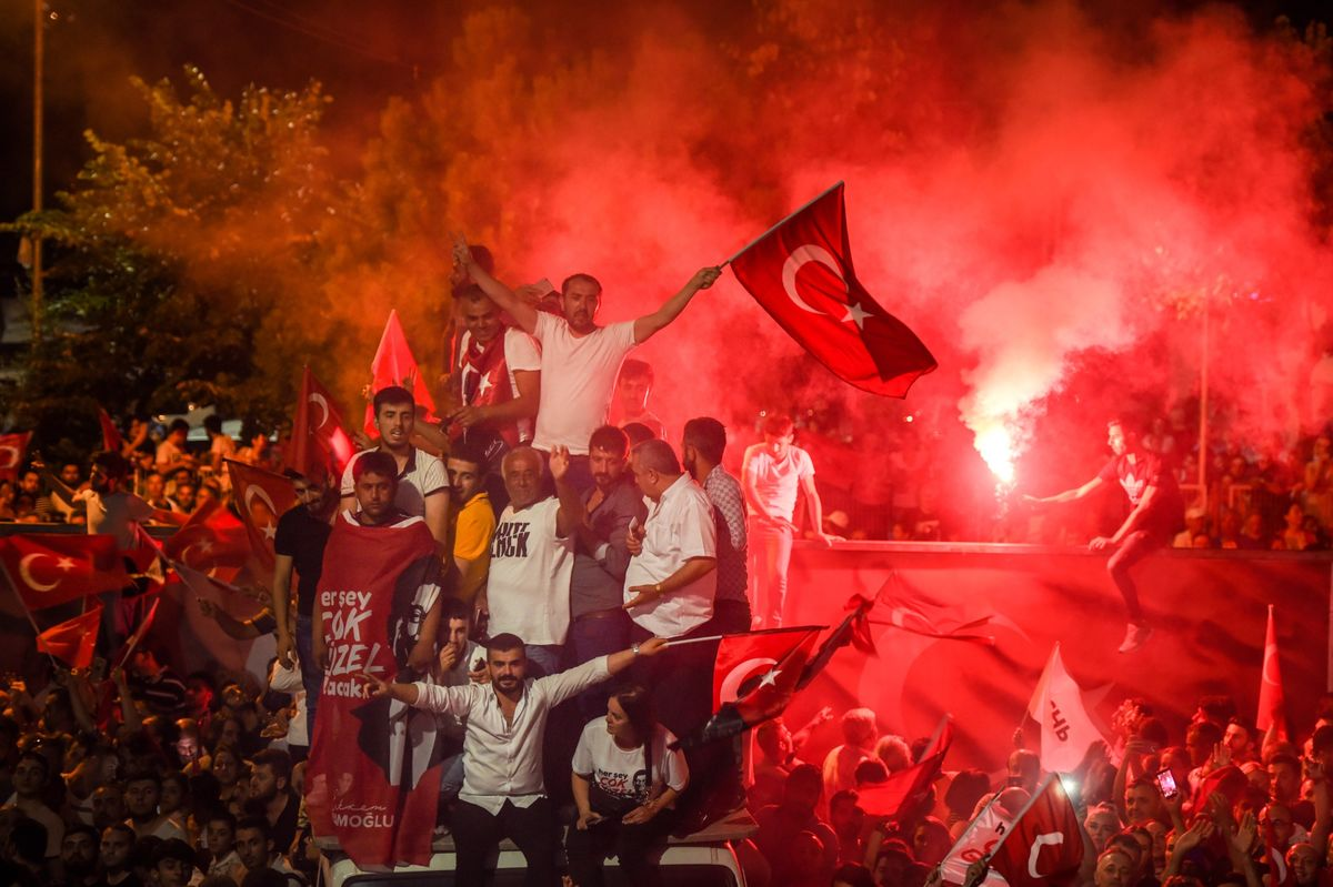 Istanbul Mayor's Race Won by Turkish Opposition