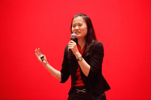 Alibaba Chief People Officer Lucy Peng