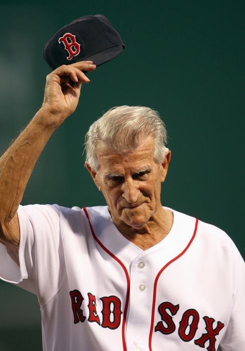 Johnny Pesky, Shortstop Linked to Fenway Foul Pole, Dies at 92