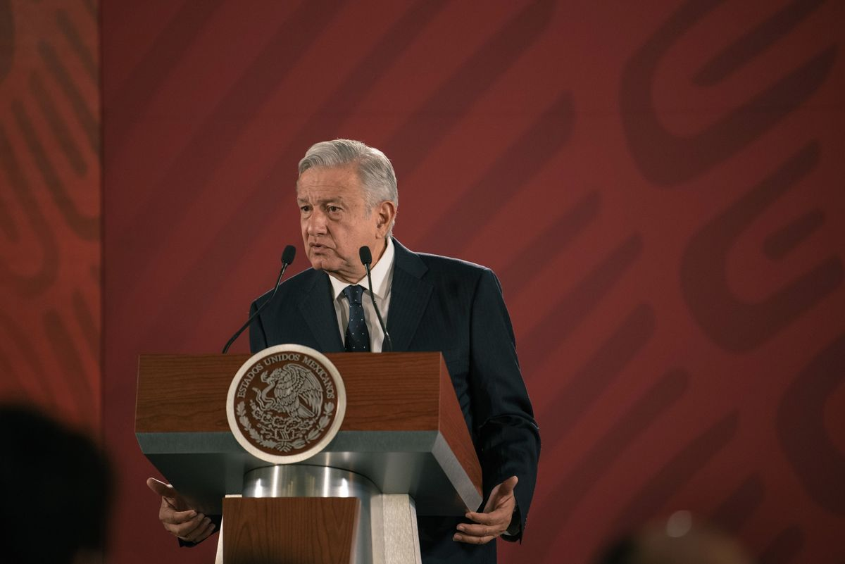 Mexico's AMLO Tells Ratings Firms to Be 'More Objective'
