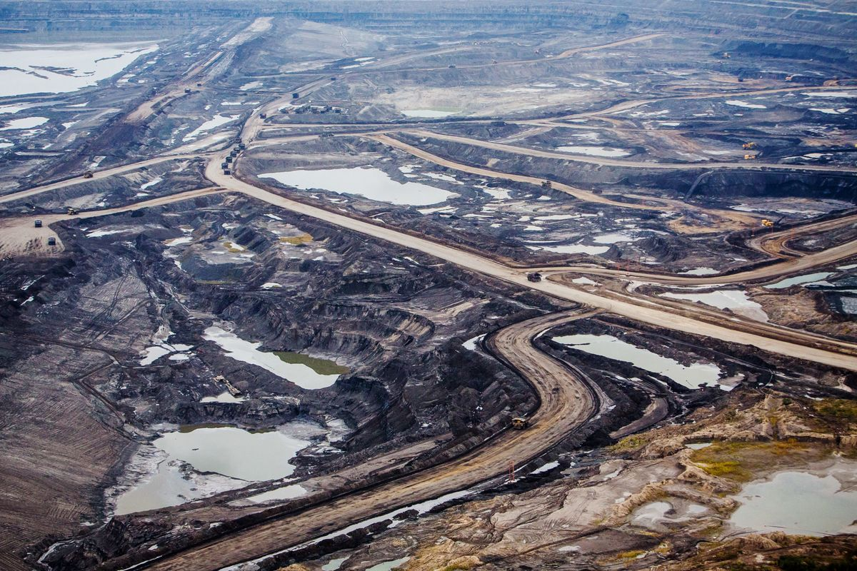 Canada Election: Voters Divided Over Oil Sands Wealth, Climate - Bloomberg