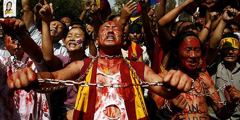 World Watches India's Response to Tibet