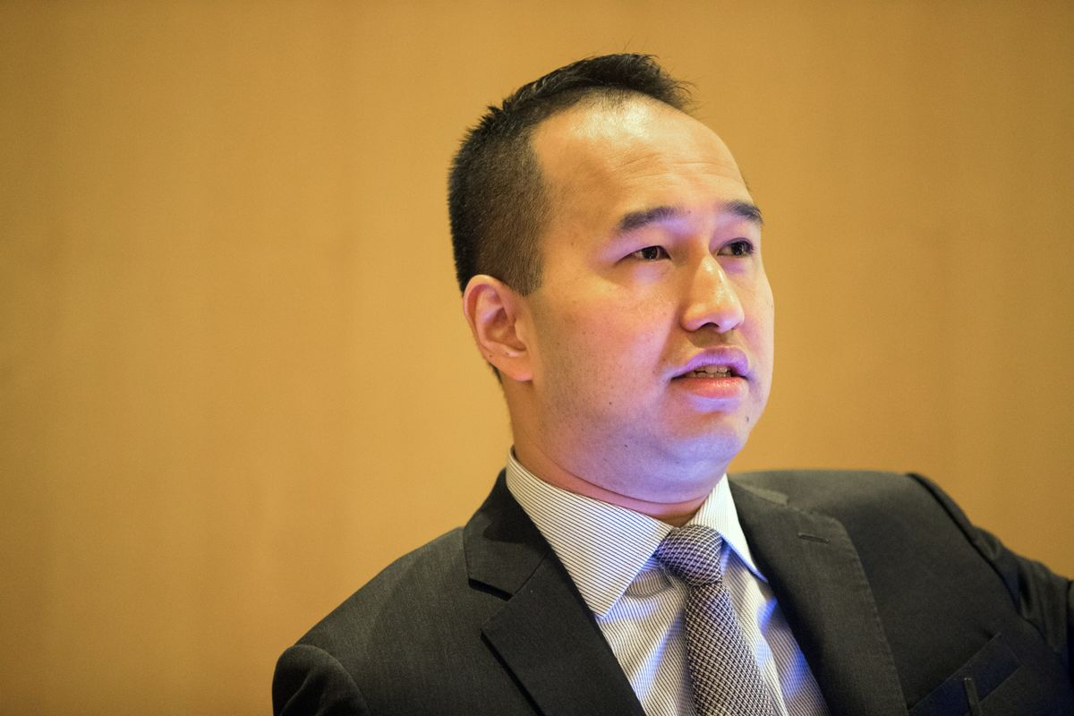 Scion of Singapore's Richest Family Strives to Salvage China Deal