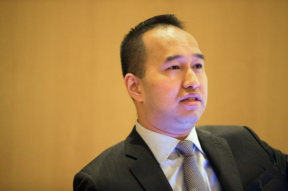 Scion of Singapore's Richest FamilyStrives to Salvage China Deal