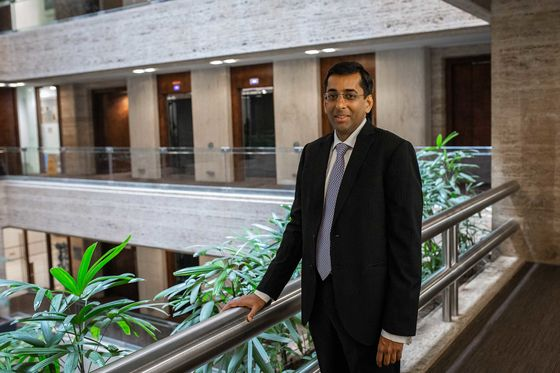 The Man Who Saw India's Banking Crisis Early Warns of New Peril