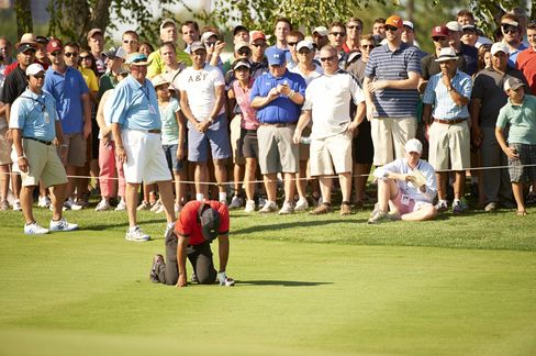 Tiger Woods Suffering With Back Spasms At The Barclays in 2013