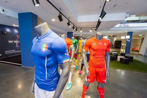 Puma's World Cup Strategy: The Flashy Counterattack