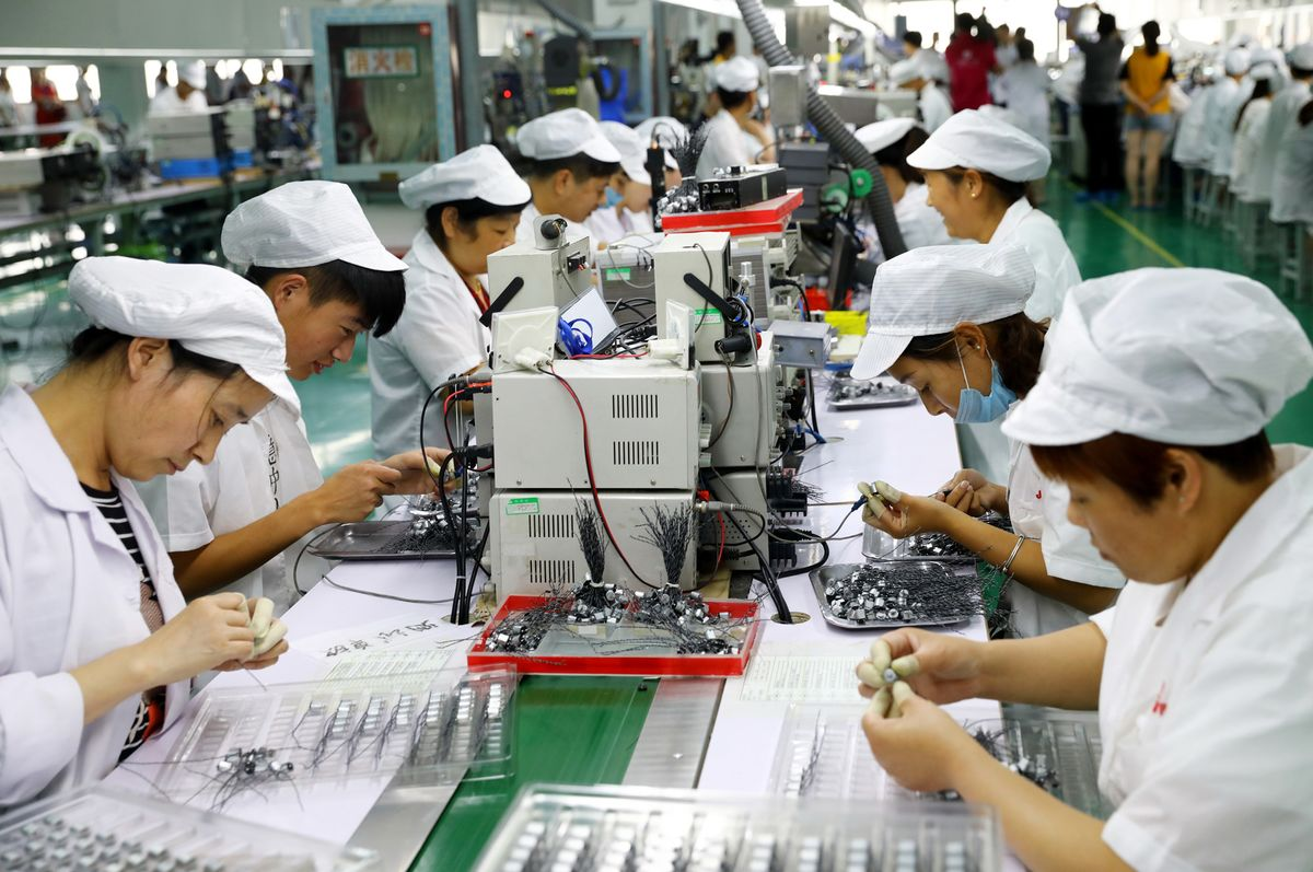 <p>China's Three-Baby Policy Makes One Huge Assumption about Women thumbnail