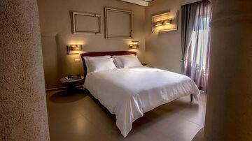A bedroom at UVE.