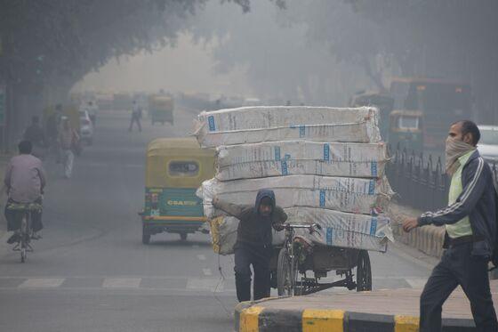 World's Worst Air Pollution Spikes as Indians GoFirecracker Crazy