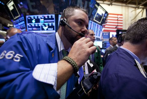 U.S. Stocks Gain to Halt Global Slide as Yen, Treasuries Advance