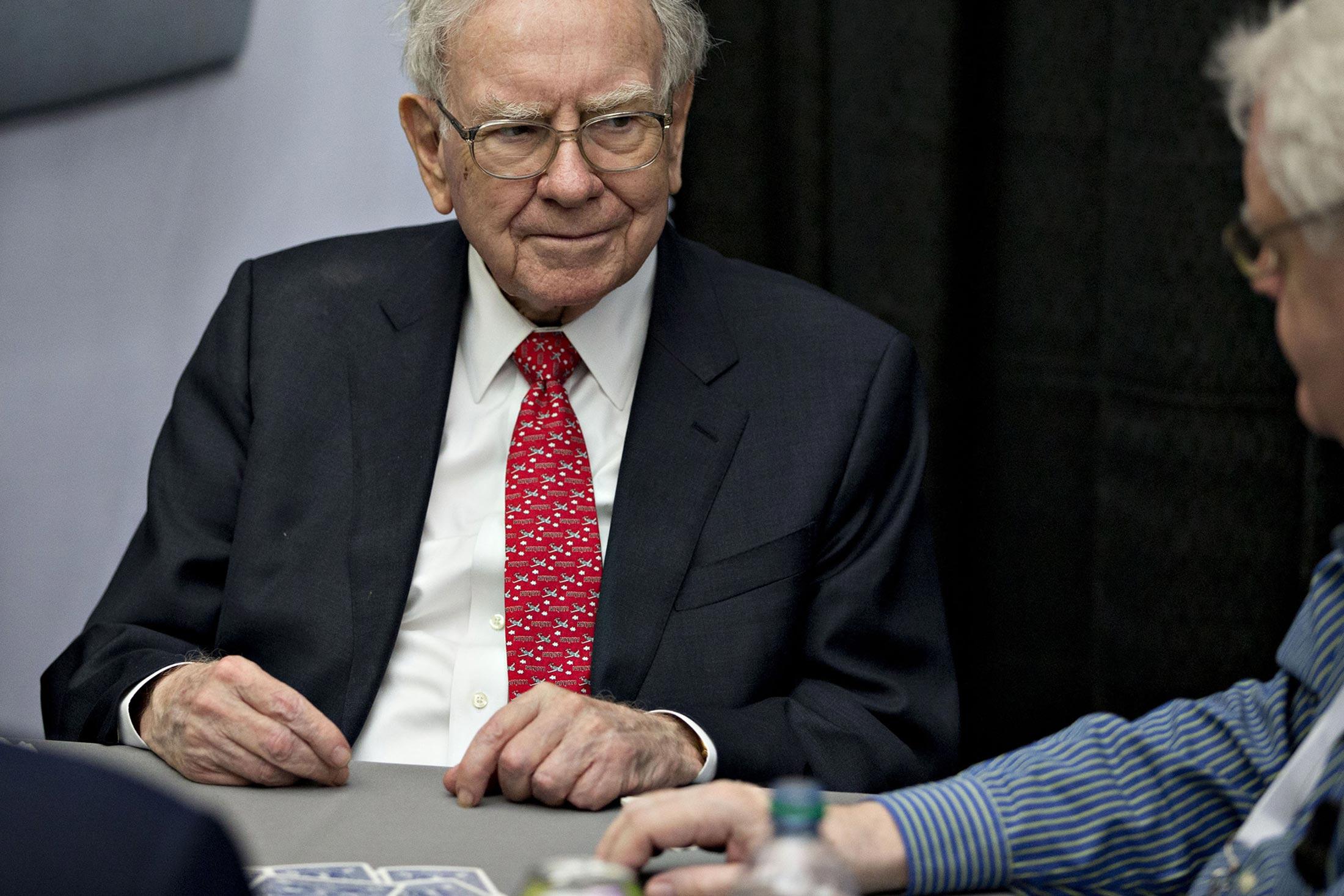 Buffett Buys $1.8 Billion 'Gem' of a Medical Insurer in New York - Bloomberg