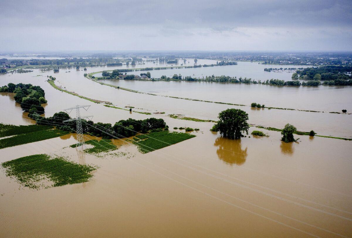 Merkel Prepares to Visit Flooded Areas as Death Toll Exceeds 130