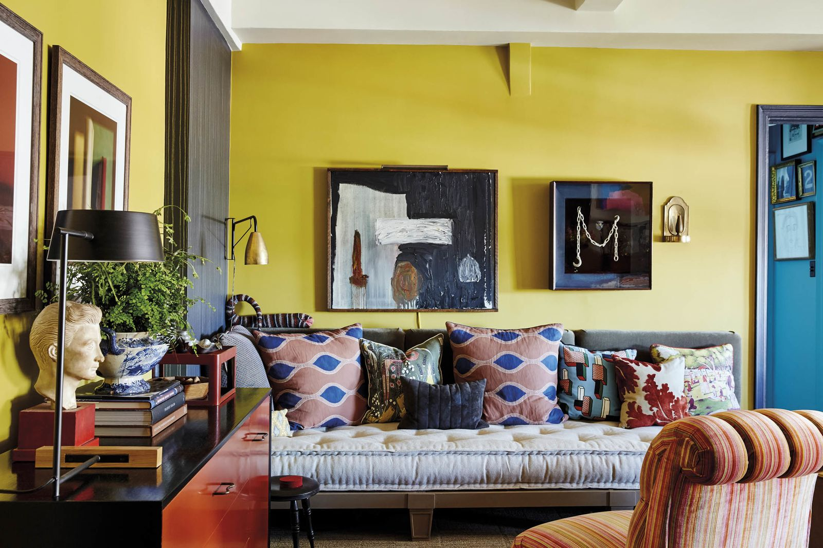 Eve Ashcraft and Heather Smith MacIsaac's living room