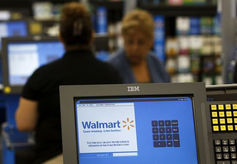 Green Dot Falls as AmEx Seizes Wal-Mart Turf