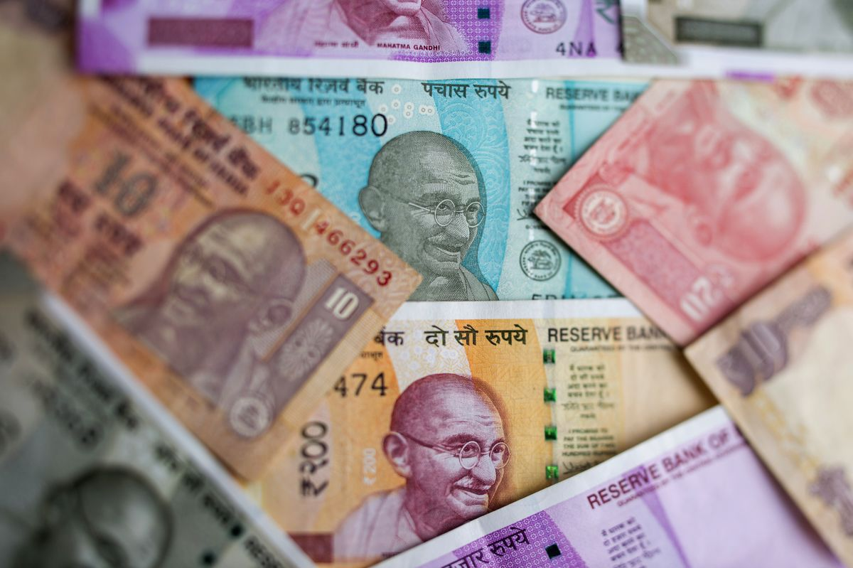 Modi Victory Makes India's Rupee Double-Edged Sword for RBI