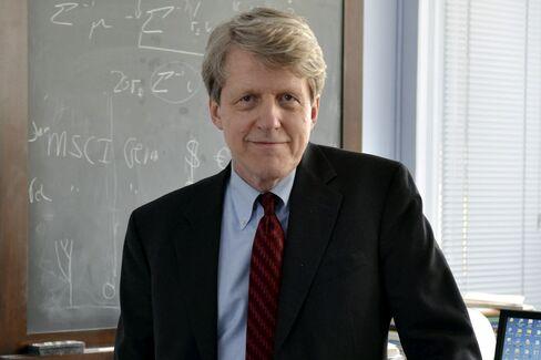 Fama, Hansen, Shiller Share Nobel Economics Prize, Academy Says
