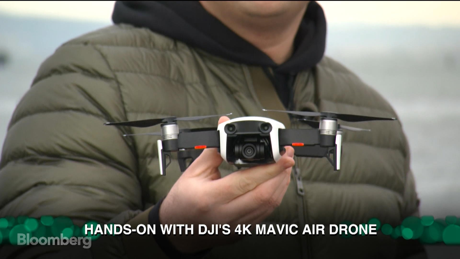 First Real World Hands On With DJIs Super Small 4K Mavic Air Drone Bloomberg