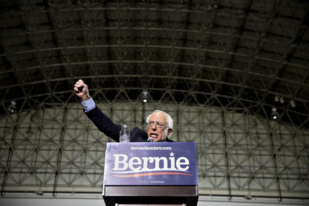 In a First for Presidential Race, Bernie Sanders Campaign Staff Unionizes