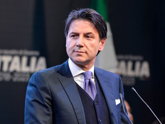 In Italy, a Novice Premier May Face Rival Puppet-Masters