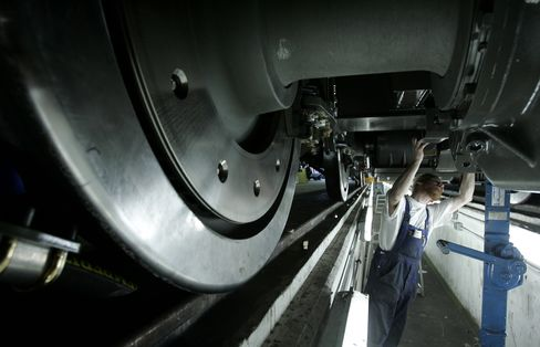 Vossloh Said to Weigh Transport Sale Amid Approach by China Firm